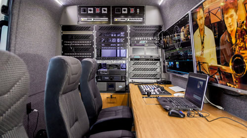 KinexoTV Movil Satelital HD DSNG Interior